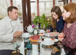 Тинюков Дмитрий — клиент компании Найди, владелец кафетерия, ателье и парикмахерской ДЕЛАС в Ленинском районе Ижевска