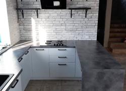 Угловая кухня в коттедже Старомихайловское