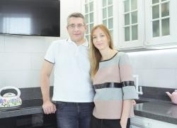 Хозяева дома: Александр и Алиса Мигуновы