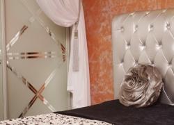 гардеробная в спальной комнате