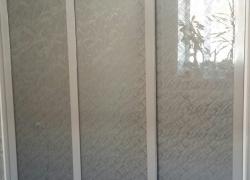 Шкаф-купе с узорчатым стеклом