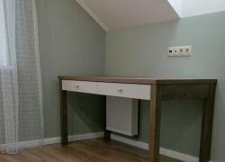 Столик для туалетных принадлежностей