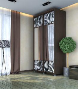 Новинка компании «Найди» - это собственная разработка и собственное производство стандартных шкафов-купе с оригинальными фасадами со вставками крашенного стекла и рисунков «Bonarty»