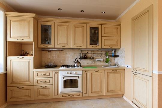Огромный выбор фасадов, рабочих поверхностей, кухонных фартуков и пр.