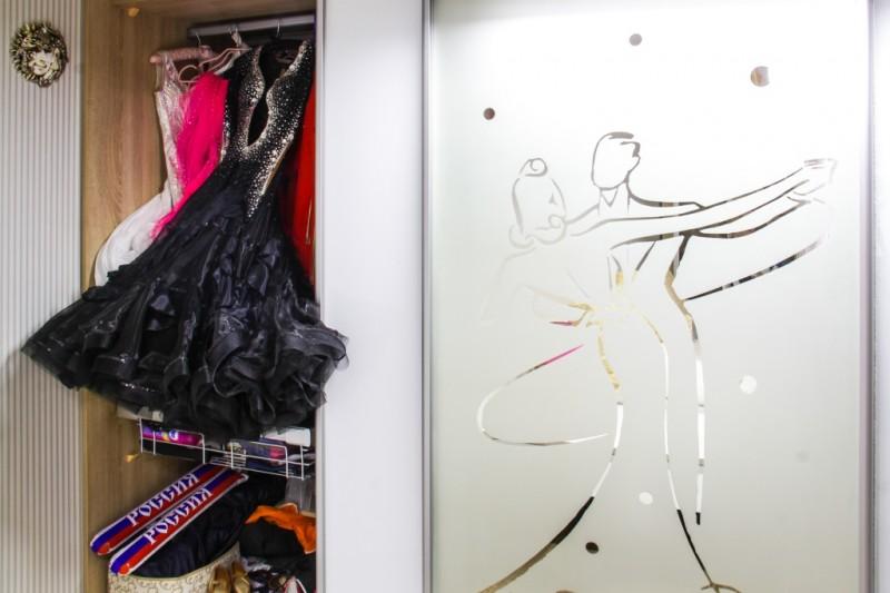 Шкаф для двукратной победительницы Первенства мира по танцам