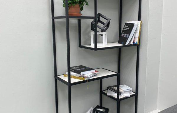 Стеллаж для книг и сувениров